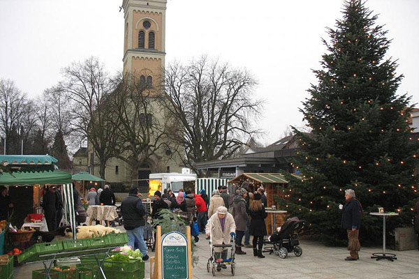 Bauern- und Wochenmarkt Schloßberg